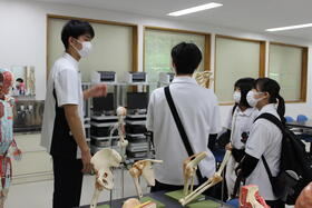 R3.6.19校内見学2.JPGのサムネイル画像